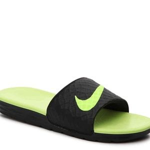Nike Benassi Solarsoft 2 Men's Size 9 Sandals